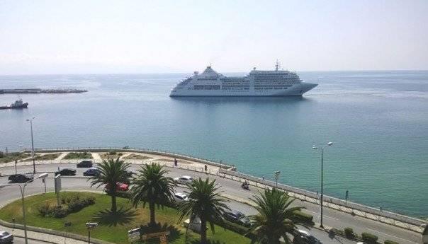 Υπηρεσίες και έλεγχοι στην …υποδοχή του κρουαζιερόπλοιου Silver Spirit