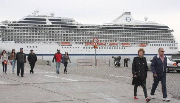 4 Έλληνες σε πλοίο 1800 ανθρώπων