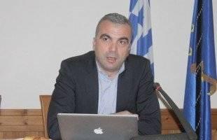 Ο Ζαφείρης Μυστακίδης συγκρίνει τις πολιτικές ομιλίες του Α. Τσίπρα και του Β. Βενιζέλου