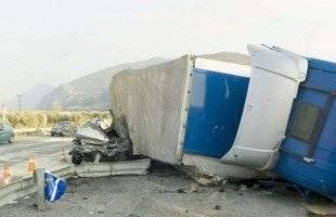 Ανατροπή φορτηγού στην παραλιακή Εγνατία