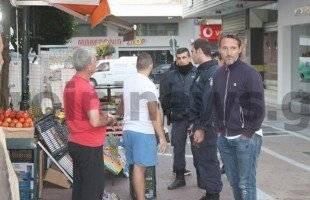 Παρουσία της αστυνομίας τοποθετούνται τα κάγκελα στην Παύλου Μελά