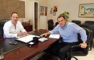 Συνάντηση εργασίας του δημάρχου Παγγαίου, Φίλιππου Αναστασιάδη με τον βουλευτή Καβάλας, Νίκο Παναγιωτόπουλο
