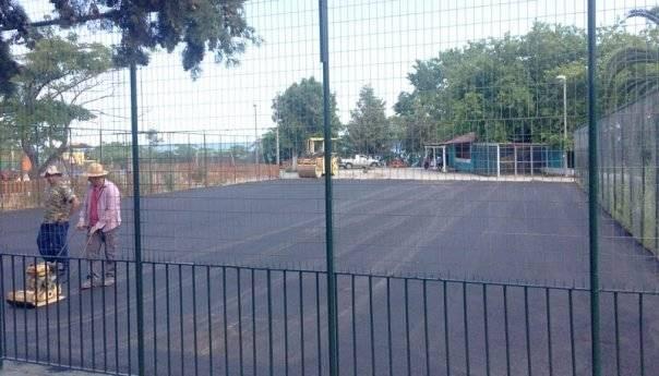 Ολοκληρώθηκε η ασφαλτόστρωση στο γήπεδο μπάσκετ στο πάρκο του Παληού (Φωτογραφίες)
