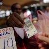Σύλληψη 33χρονου αλλοδαπού στην Πέραμο για άσκηση πλανόδιου υπαίθριου εμπορίου χωρίς άδεια