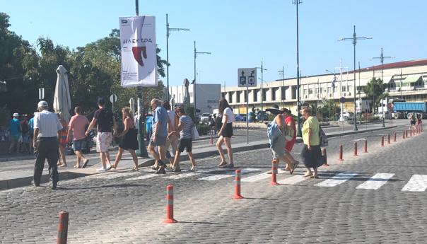Λιγότεροι Τούρκοι τουρίστες εξ αιτίας της οικονομικής κρίσης στη γειτονική χώρα
