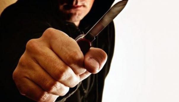 Καβάλα : Συνελήφθησαν τέσσερα άτομα που επιτέθηκαν με μαχαίρια σε δύο ανήλικους και τους έκλεψαν χρήματα και κινητά τηλέφωνα - Αναζητείται ο συνεργός τους