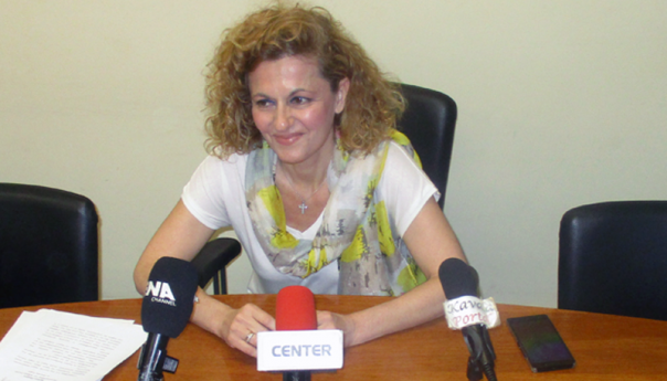 Η Αναστασία Ιωσηφίδου  σχολιάζει τις ανακοινώσεις του Μάκη Παπαδόπουλου
