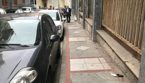 Οδός Κασσάνδρου : Δημόσιες τουαλέτες 24ωρης λειτουργίας  (φωτογραφίες)