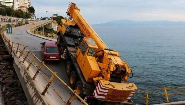ethnos.gr : Η γέφυρα της Καβάλας κινδυνεύει να γίνει... γεφύρι της Άρτας (pics)
