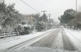 Πολύ χιόνι στο δρόμο προς το Παληό- φωτογραφίες από τη χιονισμένη Νέα Πέραμο