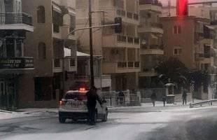 Στους δρόμους της πόλης το μεγάλο πρόβλημα – Άγνωστο πότε θα σταματήσει η χιονόπτωση