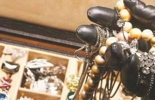 Καβάλα : Δικογραφία σε βάρος 19χρονης που διέρρρηξε οικία και πήρε χρήματα και κοσμήματα