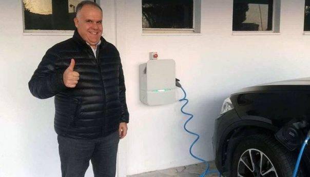 Στο ξενοδοχείο Lucy λειτουργεί ο πρώτος σταθμός φόρτισης ηλεκτρικών αυτοκινήτων (φωτογραφία)