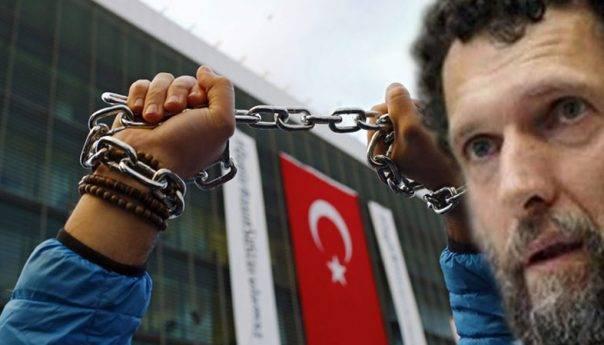 Τουρκία: Ισόβια για τον Οσμάν Καβαλά και άλλους 15 ζητά ο εισαγγελέας