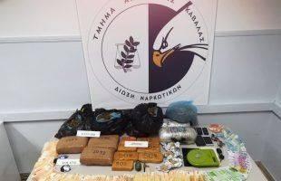 Συνελήφθησαν από την ομάδα δίωξης Ναρκωτικών Καβάλας στην Θεσ/νίκη δύο μέλη συμμορίας διακίνησης μεγάλων ναρκωτικών ποσοτήτων - ΄Εκρυβαν τα ναρκωτικά στους κάδους απορριμάτων !