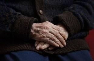 Χτύπησαν και λήστεψαν 90χρονο στο Περιγιάλι