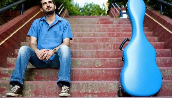 Δημοτικό Ωδείο : Ρεσιτάλ κιθάρας του Νίκου Ζάρκου στην Παλιά Μουσική
