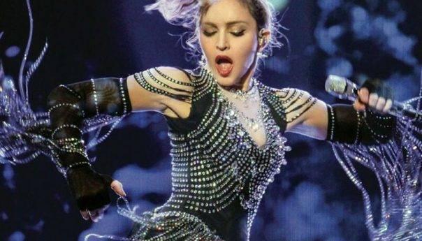 Η Μαντόνα στο τελικό της  Eurovision ! (1 εκάτ. δολάρια για δύο τραγούδια )