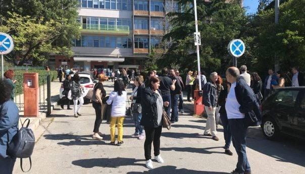 Άδειασε από υπαλλήλους και πολίτες το Διοικητήριο μετά από απειλητικό τηλεφώνημα (φωτογραφίες)