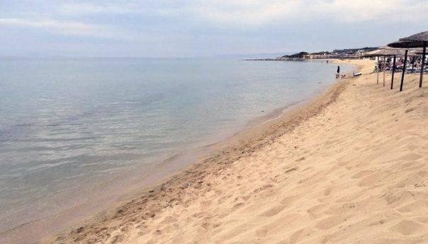 Απίθανη πατέντα σε παραλία της Καβάλας (ΒΙΝΤΕΟ)