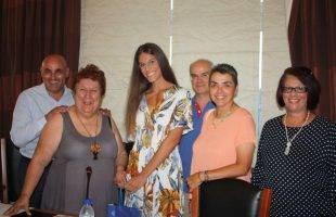 Με βράβευση της Μαρίας Ζαχαρούδη ξεκίνησε η συνεδρίαση του Δημοτικού Συμβουλίου (φωτογραφίες)