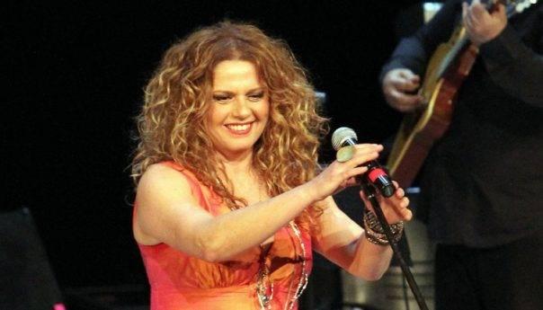 Συναυλία της Ελένης Τσαλιγοπούλου στο πάρκο Φαλήρου