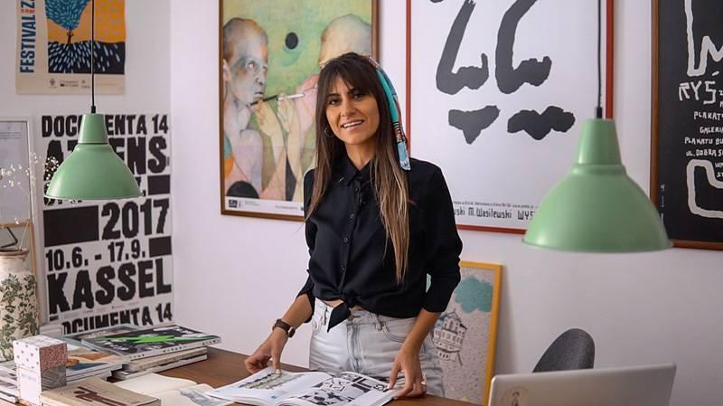 Μια Καβαλιώτικη start-up τυπώνει τέχνη σε μεταξωτά μαντίλια και προβάλλει το ελληνικό design διεθνώς