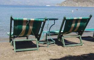 Αδειάζουν οι παραλίες ...  Παρασκευή η πιο δύσκολη ημέρα της εβδομάδας με βροχές & καταιγίδες !