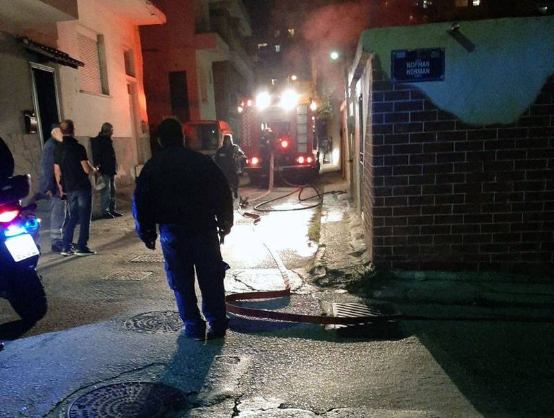 Φωτιά σε κατοικία στον Τίμιο Σταυρό (φωτογραφία)