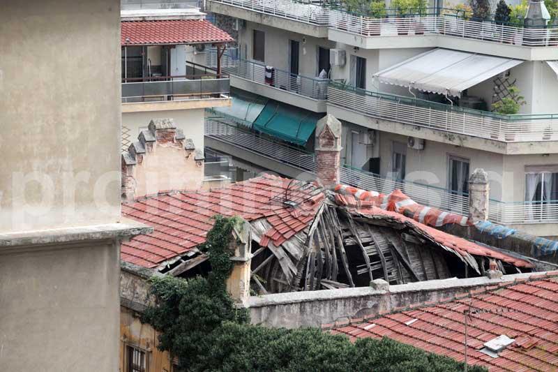 Σε πέντε συνεχόμενες καπναποθήκες κατέρρευσαν οι στέγες!