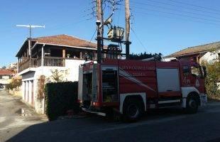Καίγεται σπίτι στον Αμυγδαλεώνα (φωτογραφίες)