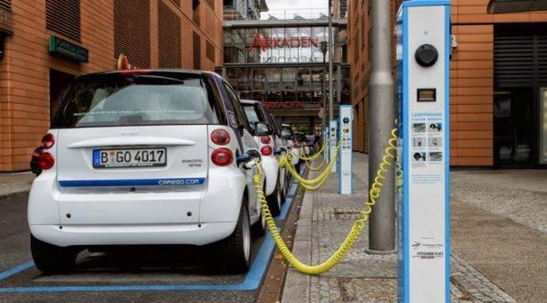 Τα επόμενα χρόνια θα γεμίσει και η Ελλάδα  με πρατήρια ηλεκτρικής φόρτισης