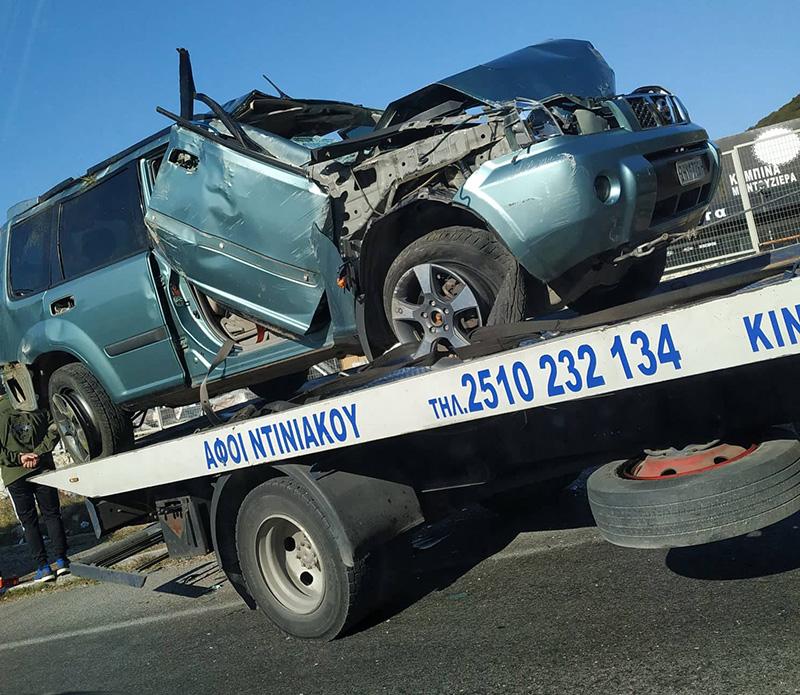 1 νεκρός και 3 τραυματίες από το τροχαίο στο Σταυρό Αμυγδαλεώνα
