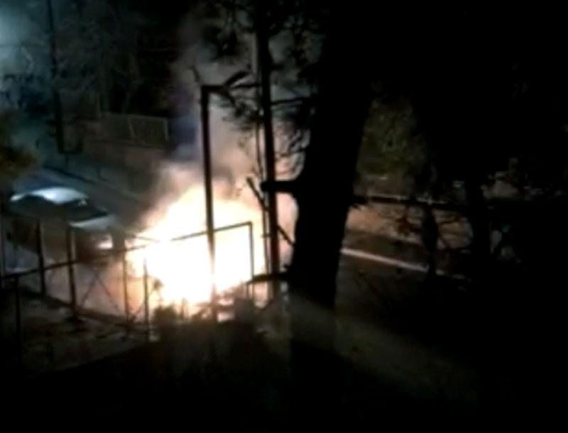Φωτιά σε κάδους επί της οδού Υψηλάντου (VIDEO)