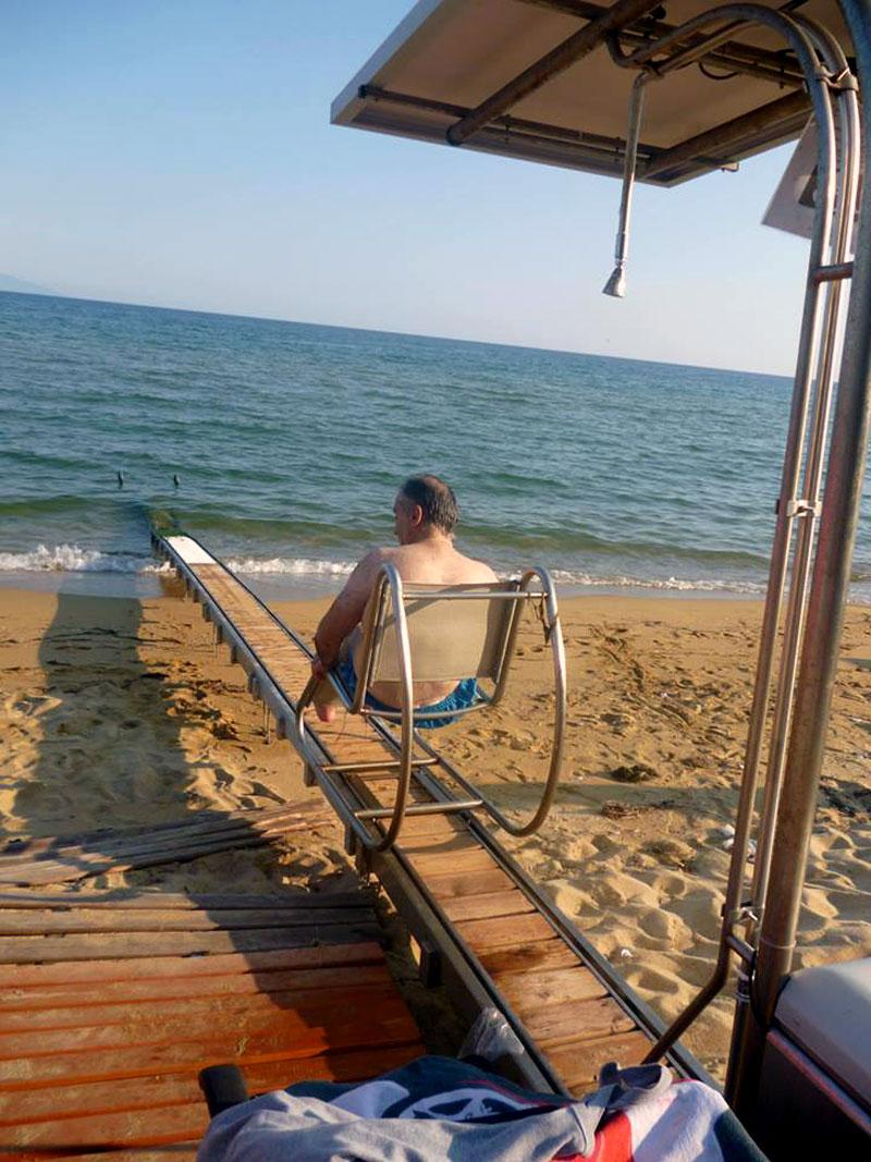 Σε τρεις ακόμη παραλίες του Δήμου Καβάλας μηχανισμοί διευκόλυνσης ΑμΕΑ