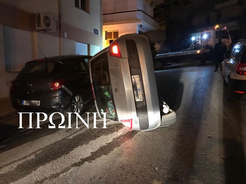 Ανατροπή επιβατικού στην οδό Φιλίππου (φωτογραφίες)