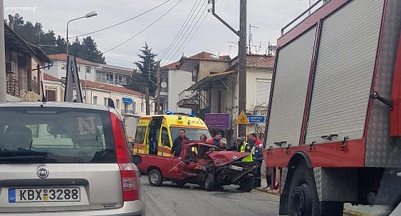 Τρoχαίο στην είσοδο τηςΕλευθερούπολης χωρίς τραυματίες (φωτογραφίες)
