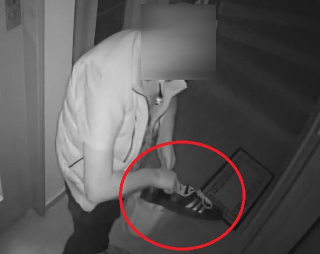 Προσοχή, κλέβουν ακόμη και παπούτσια που βρίσκουν στις εξώπορτες διαμερισμάτων! (φωτογραφίες)
