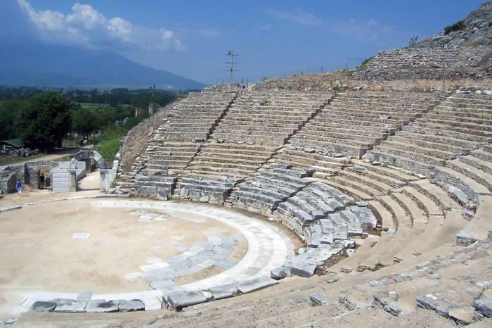 Αρχαίο Θέατρο Φιλίππων: Ένα ξεχωριστό πολιτισμικό στολίδι (φωτογραφίες+video)