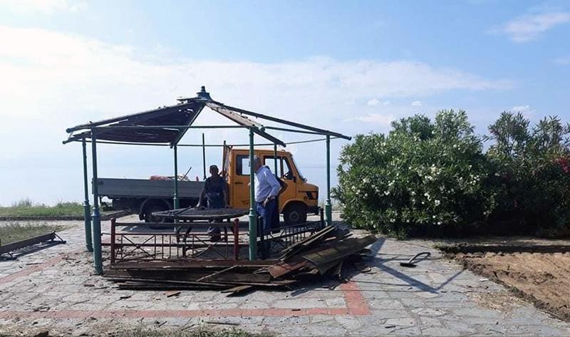 Ξεκίνησαν οι εργασίες για την κατασκευή της νέας παιδικής χαράς στο Περιγιάλι (φωτογραφίες)
