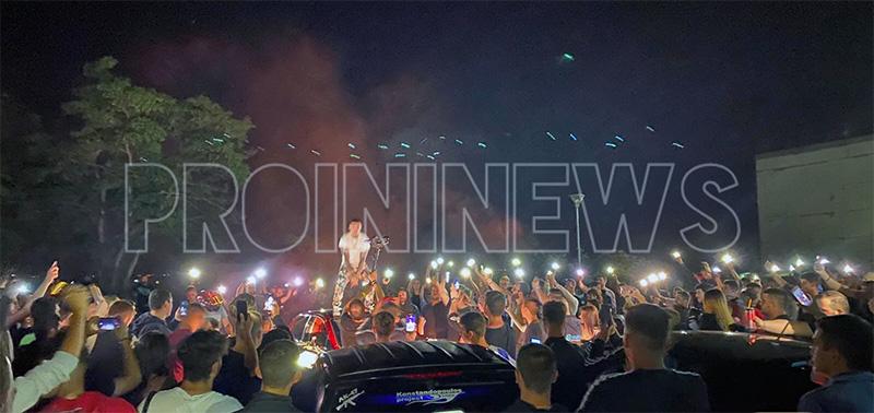 Δεκάδες δίκυκλα μέσα & έξω από το ΔΙΠΑΕ Καβάλας για χάρη του διάσημου rapper TUS (φωτογραφίες)