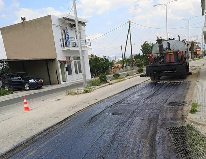Συνεχίζονται οι ασφαλτοστρώσεις στο κεντρικό οδικό δίκτυο του Χρυσοχωρίου (φωτογραφίες)