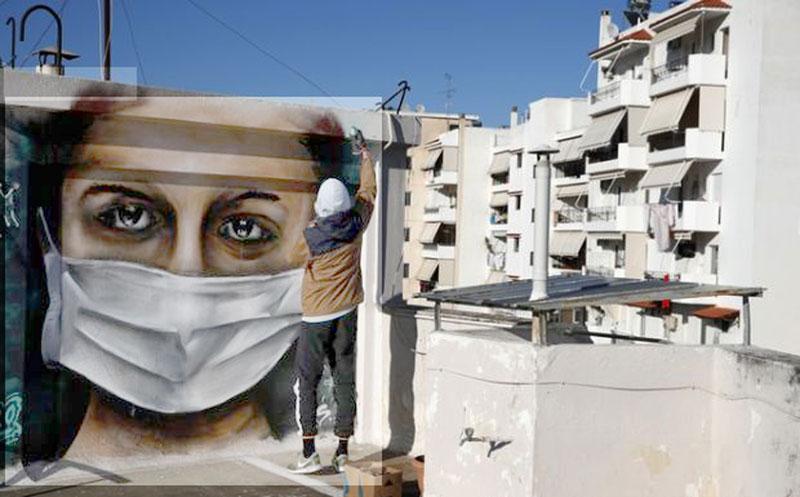 Οι έλληνες ξεπερνούν τον φόβο του κορονοϊού