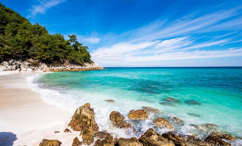 Θάσος: Το σμαραγδένιο νησί του Αιγαίου που θυμίζει παράδεισο (φωτογραφίες)
