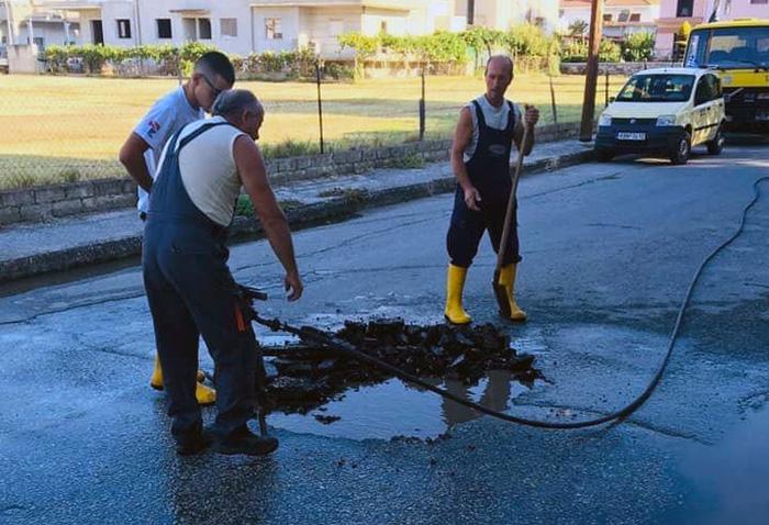 2 βλάβες στο δίκτυο ύδρευσης σε Ν.Καρβάλη & Κρηνίδες αντιμετώπισε εχθές η ΔΕΥΑΚ (φωτογραφίες)