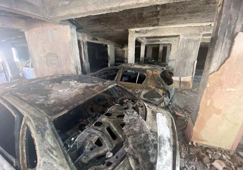 Δύο ταυτόχρονες έρευνες για τη φωτιά στην πυλωτή της πολυκατοικίας !