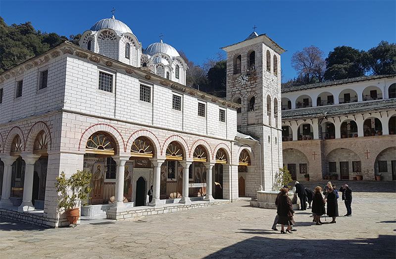 Κειμήλιο του 10ου αιώνα επιστρέφει στην Ιερά Μονή Εικοσιφοίνισσας