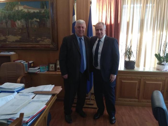 Ο Γιάννης Πασχαλίδης ευχαριστεί τον Υπουργό Αγροτικής Ανάπτυξης και Τροφίμων, Μάκη Βορίδη