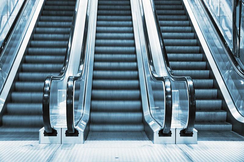 Προτιμάμε τις κυλιόμενες σκάλες από τα κυλιόμενα lock down