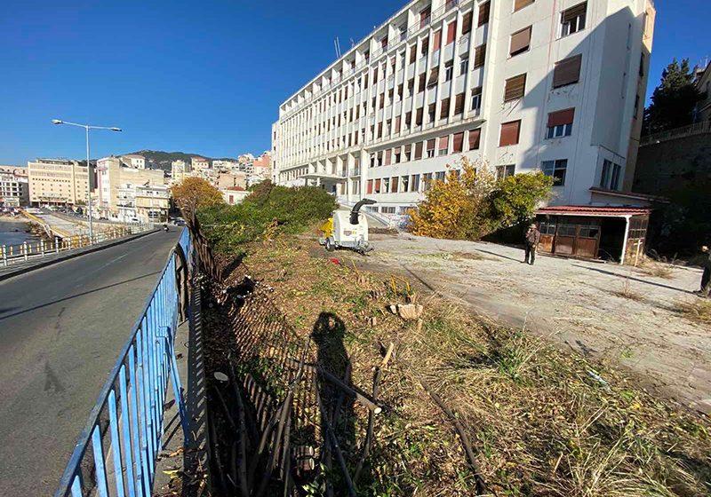 Πρώτες εργασίες στην αυλή του παλιού Νοσοκομείου
